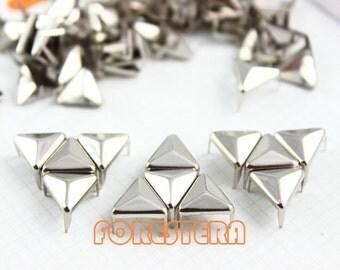 50Pcs 10mm Silver Triangle Studs Metal Studs (ST10)