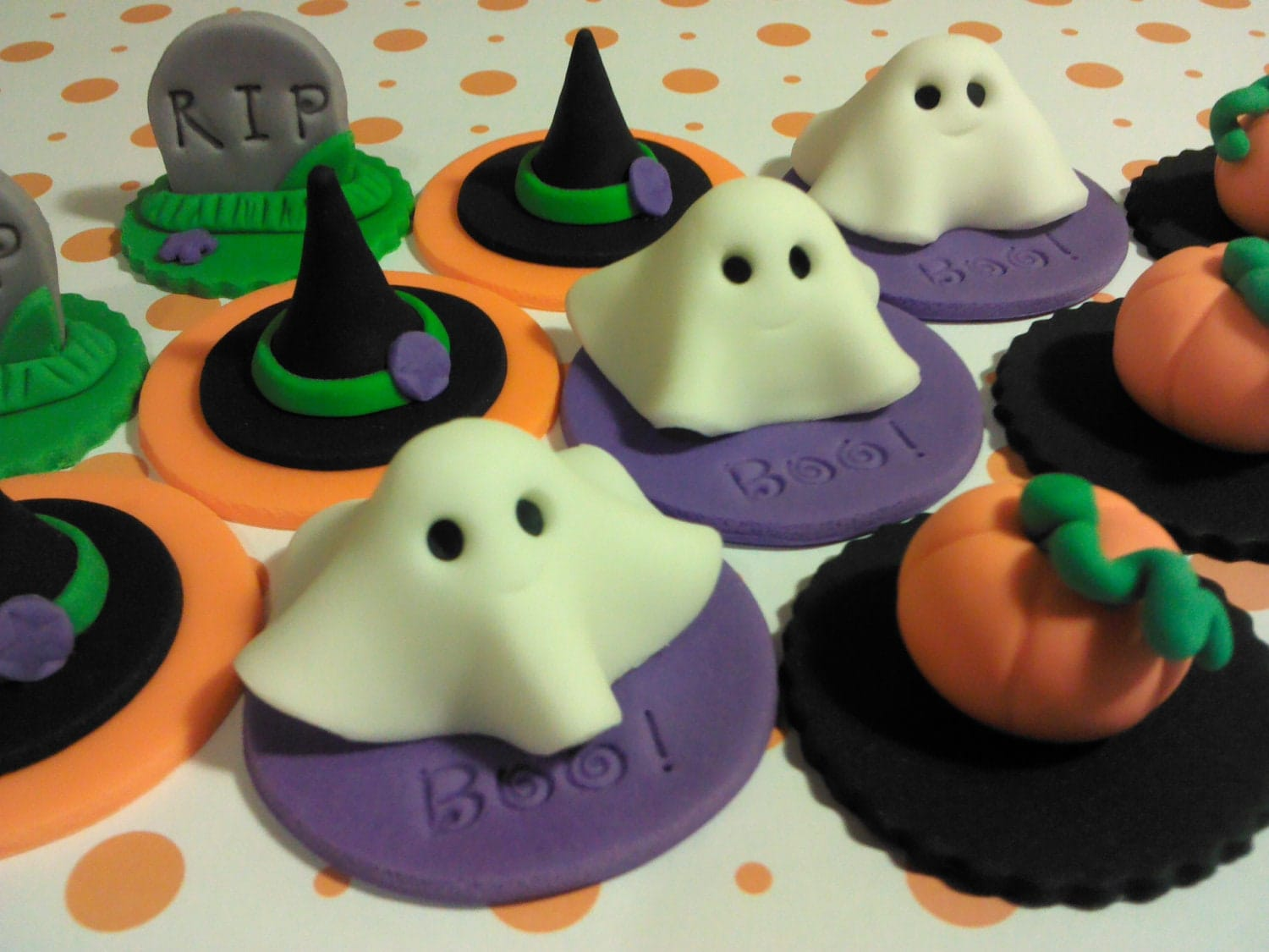 Kitchen dining for Halloween chocolate cake decorations