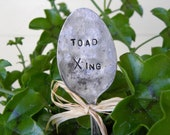 Garden pick silver plated spoon Toad Xing
