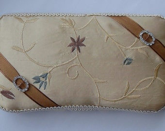 Embroidered Floral Wipe Case