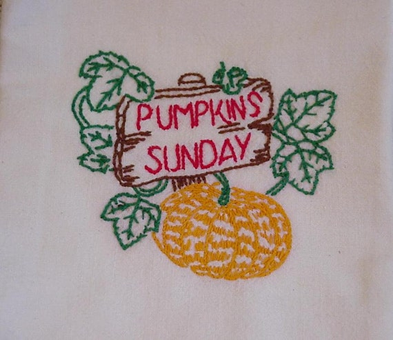 Embroidered Tea Towel VIntage Kitsch Tea Towel Feedsack Pumpkins Sunday Dish Drying Towel Cottage Chic Autumn Farmhouse itsyourcountry