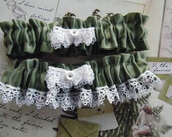 Green Garter Set