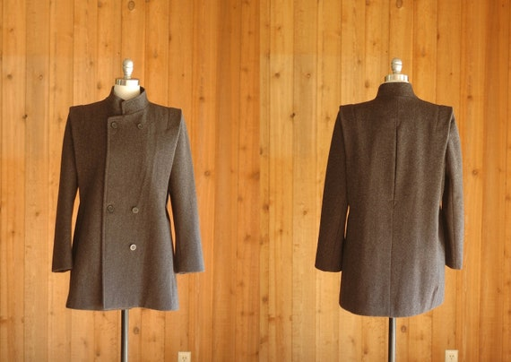 vintage coat / charcoal grey peacoat / city life / large