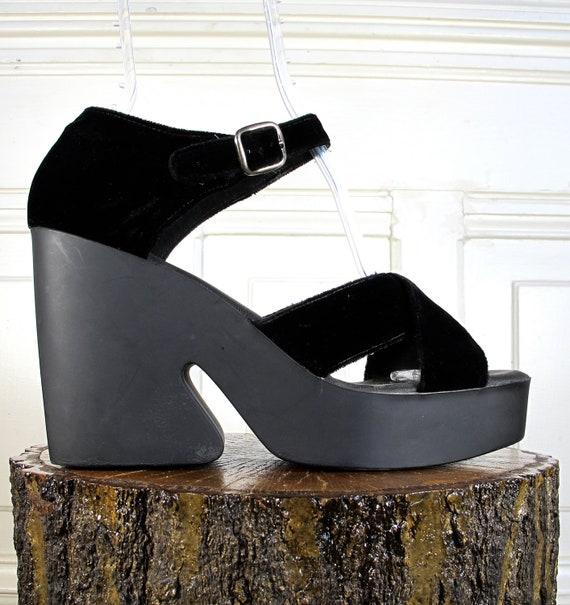 Vtg 90s Avant Gard Black Velvet Platform Wedge Shoes / Women's Size 9 US - 40 Eur - 6.5 UK
