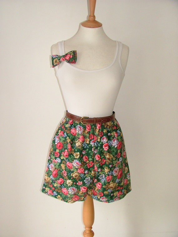 Handmade floral high waisted culottes and hair bow barrett matching set made with vintage flower fabric