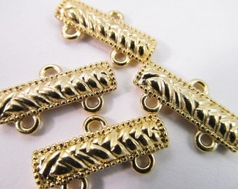 4 Vintage 22mm Gold Plated Brass Connectors Con62