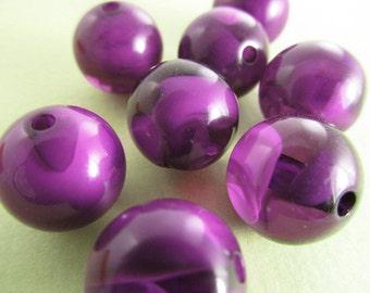 16 Vintage 12mm Round Purple Violet Variegated Lucite Beads Bd381