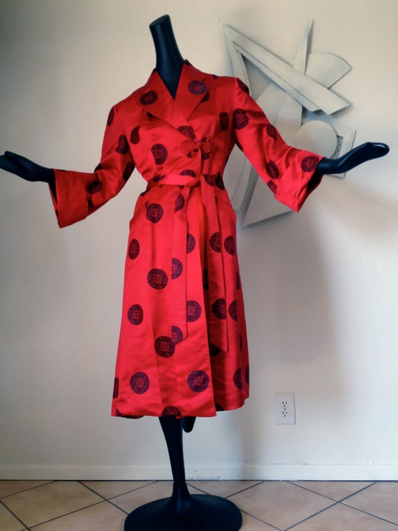 Vintage 70s Rockabilly Red Satin Asian Coat Robe Boudoir Attire or Sexy Coat High Quality Custom Made Chinese Black Circle Pattern