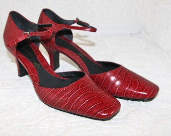 Vintage Red Mary Jane Pumps Size 8M