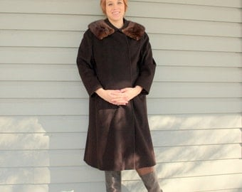 SALE 1950s brown wool swing coat with mink fur trim. By Maurice Original. Size XL 12-14-16