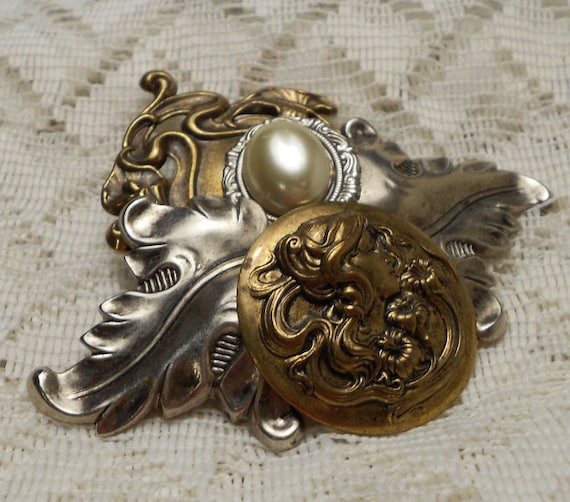 Vintage Art Nouveau Antique Gold and Silver Tone Brooch