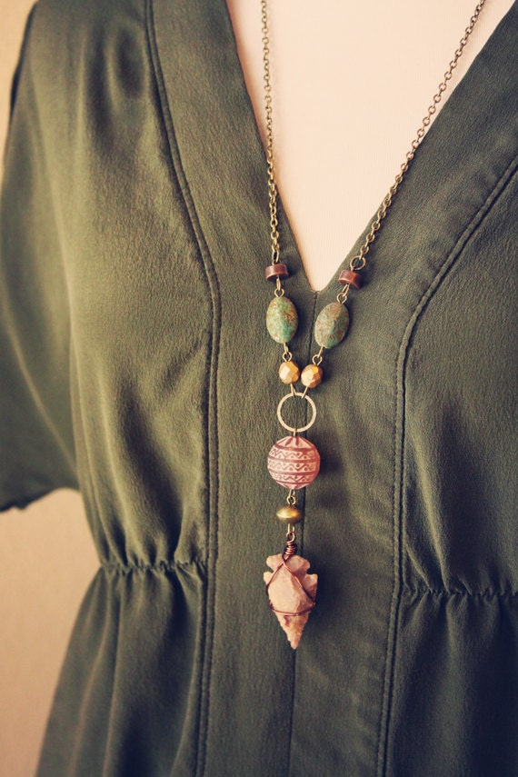 sahara.  an earthy tribal arrowhead necklace.