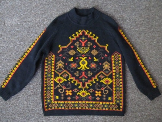 Vintage Folk Hippie pullover sweater. Native print.