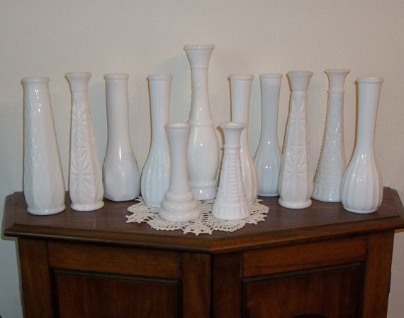 12 White Milk Glass Bud Flower Vases Wedding Shower Party Instant Collection (1)