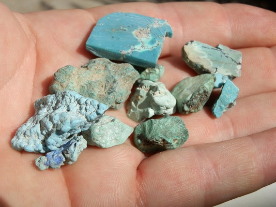 Turquoise. Mixed lot of rough stones. 42.5 grams. Variety of specimens.