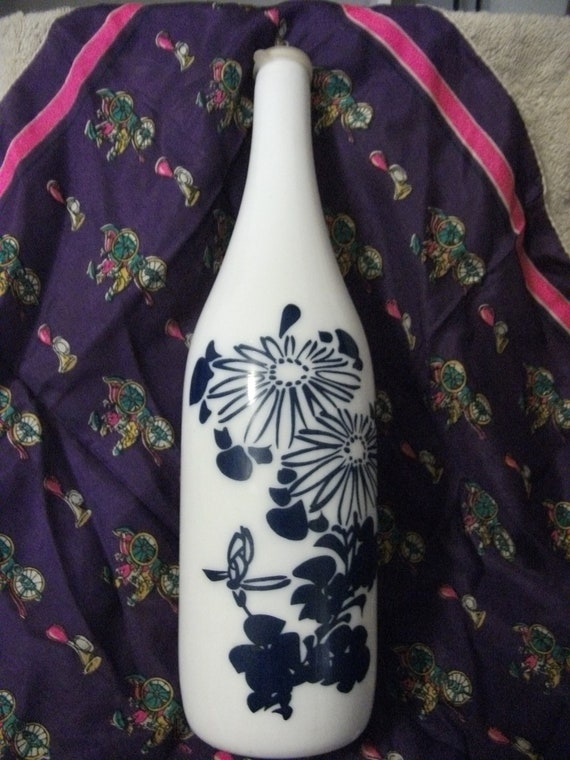 Vintage Kiku Masamune Sake Bottle Tokkuri Milk Glass