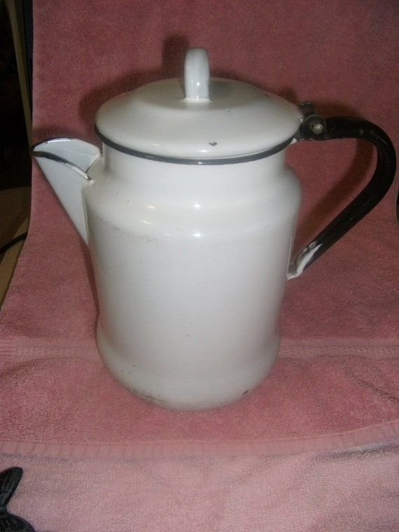 "Vintage Enamelware 8 Cup Coffeepot 8 1/2"" Tall Country Rustic Only 8 USD"
