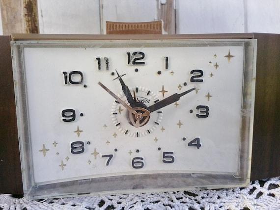 Mid Century Sunbeam Working Clock Atomic By Happydayantiques