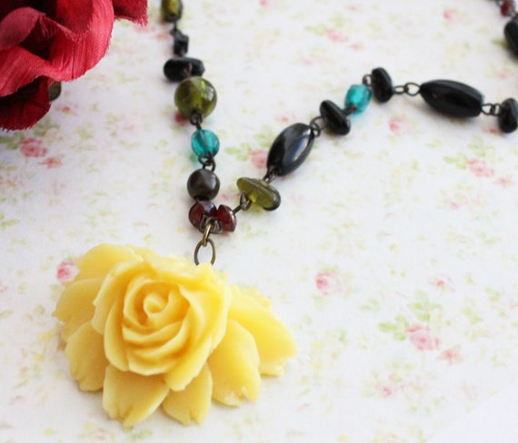 Honey Yellow Rose Flower Necklace. Autumn. Flower Necklace. Large Flower Necklace. Fall. Fashion. Yellow Flower and Beaded Necklace.