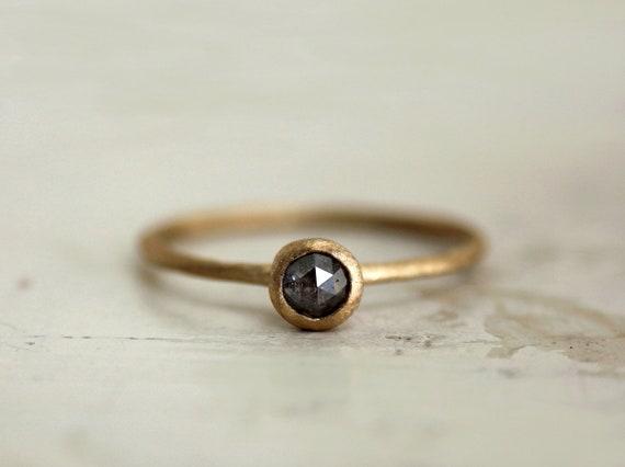 Simple engagement ring. Rose cut diamond. 18k. Kaori.
