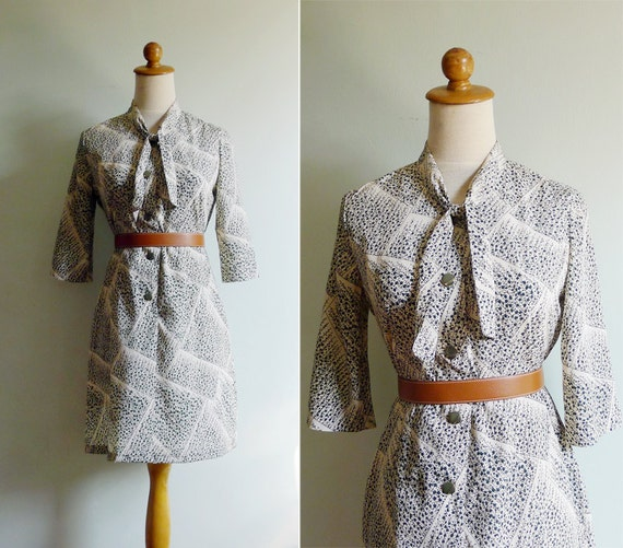 Vintage 70's Cream Silk Green Vines Dress XS or S