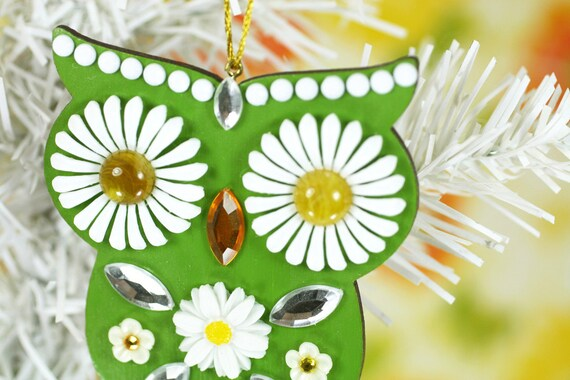 Mod Owl Ornament Jeweled Wood Hand Painted Green Daisy