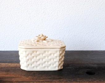 Anitque White Trinket Box, Basket Weave Rose Knob Lid, Vintage Vanity Dresser Jewelry Holder