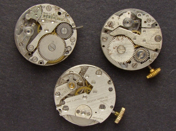 Antique Vintage silver round watch movements brass gears wheels cogs for jewelry industrial collage altered art, Steampunk Art Supplies 2379