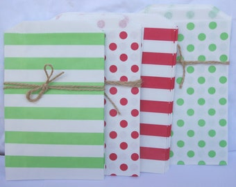 20MeDiUM CHRISTMAS MiX PaPER BAGs- green stripe,red stripe,red dot, green dot-party favors--gifts---weddings--showers--20ct