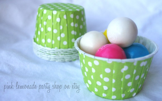 GReeN PoLkA DoT NuT/CANDy/PoRTiON CuPS-Gumballs, Snacks, Nuts, Cupcakes-Birthday Parties-Showers-25ct