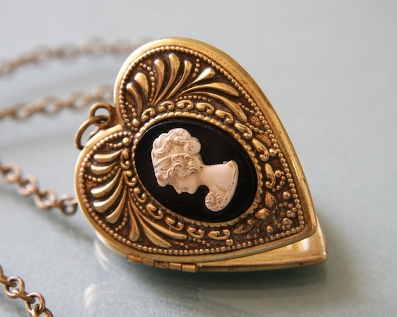 Antique Victorian Gold Heart Locket -:- 1930s Victorian Revival, Cameo