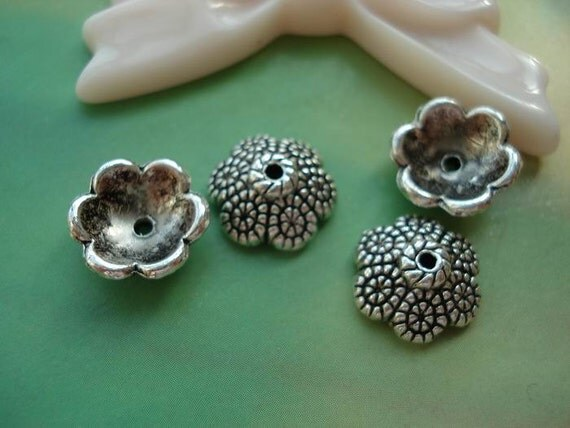 25 pcs 11x4mm Antique Silver Vintage Victorian Small Flowers Beads Caps G964592
