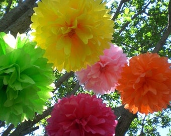 5 Tissue Paper Pom Poms ...ANY COLORS / Wedding / Baby shower / Birthday Party Decor