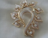White and Gold Vintage Brooch