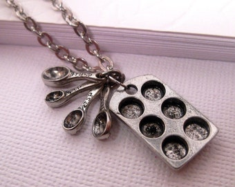 Muffin Pan Necklace - Cupcake - Spoon Necklace - Kitchen Charm Jewelry - Food Jewelry
