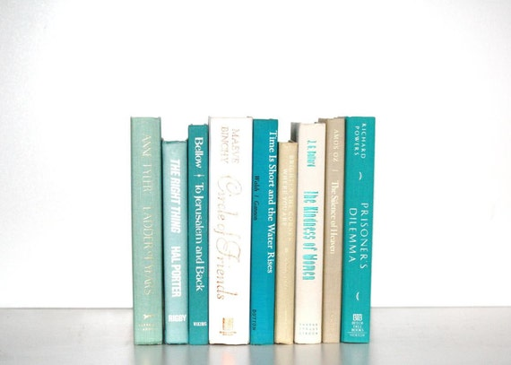 Front Page Featured-Vintage 9 Book Collection Summer colors Aqua interior Design Vintage Book Decor