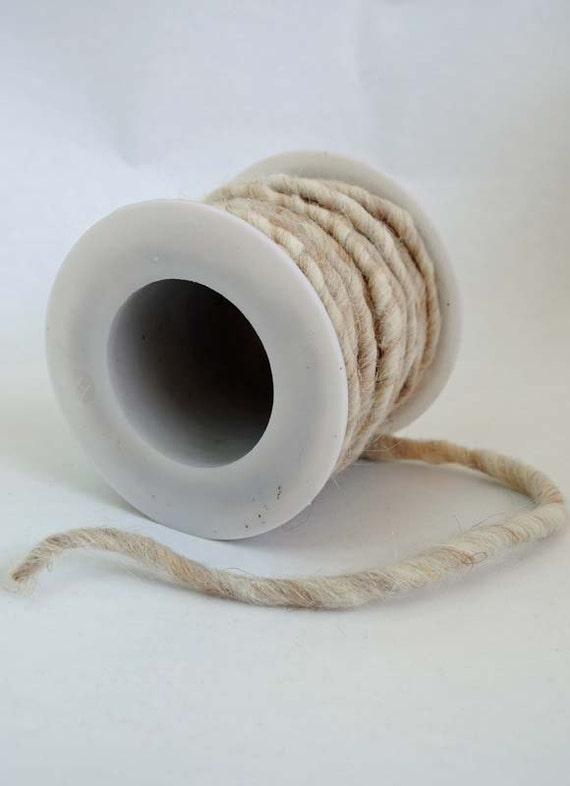 Wool felt string - off-white, 2m