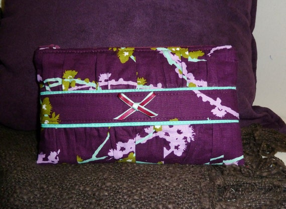 Aviary 2 Sparrows Purple and Aqua gathered clutch
