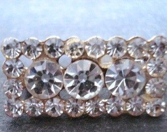 Elegant Vintage Brooch Sparkling Clear Austrian Crystal