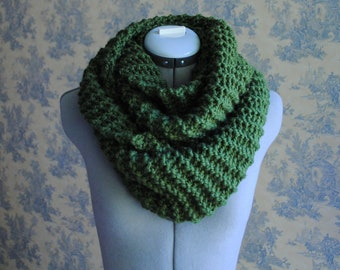 SALE- Infinity Scarf in Forest Green