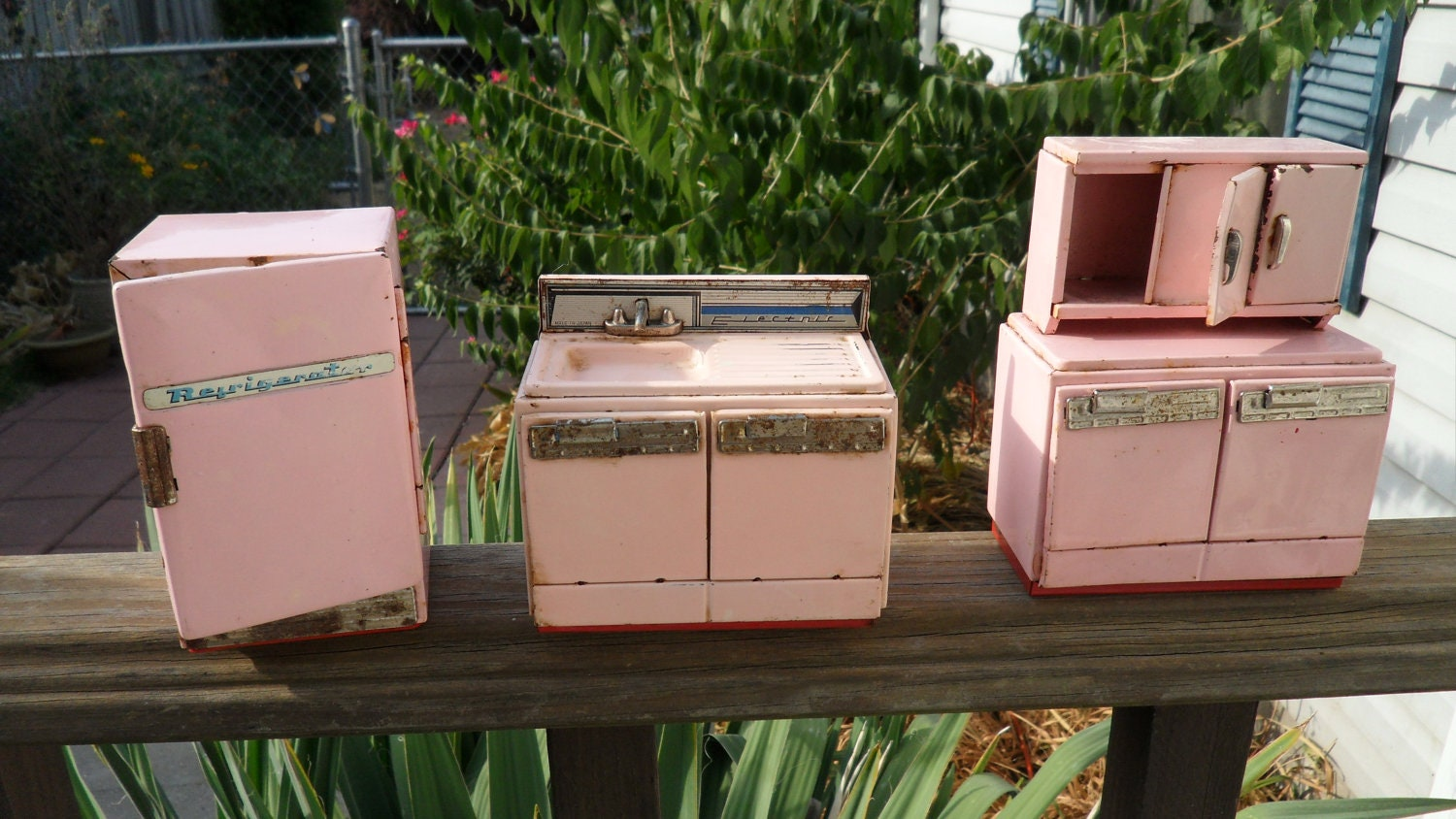Kitchen Dollhouse Furniture Vintage Metal Dollhouse Appliances Pink Metal Dollhouse