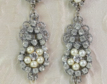 Chandelier Earrings,Bridal Earrings with Swarovski Pearl and crystals,Vintage style Wedding Earrings,Wedding Jewelry,Bridal Chandelier