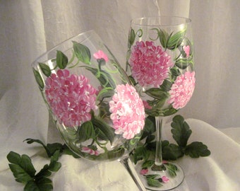 Free shipping Pink Hydrangeas pair of wine glasses hand painted