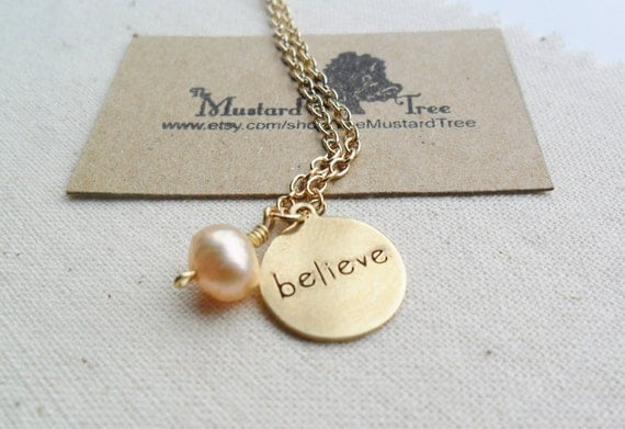 Brass believe tag circle charm pendant freshwater pearl gold chain charm necklace
