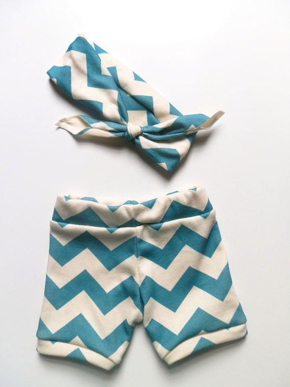 Baby Girl Clothing, Peacock Chevron Booty Bloomer Shorts and Headband Set, Newborn Photo Prop by Little Hip Squeaks