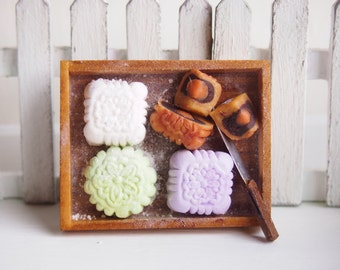 Miniature Tray of Assorted Mooncakes