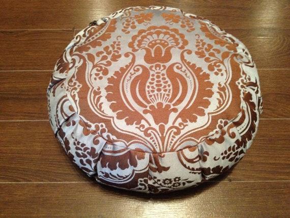Organic buckwheat meditation cushion zafu