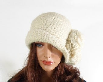 Crochet Cloche Hat with Large Flower - Natural White