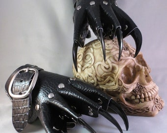 Black Scale Leather Gothic Steampunk Claw Gauntlets / Gloves
