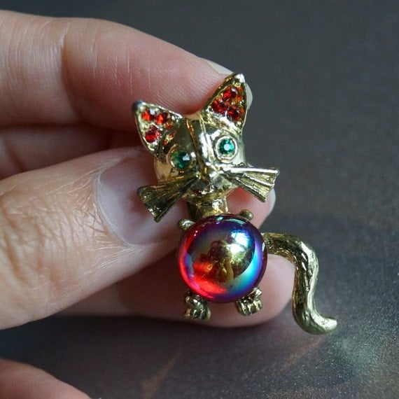 Vintage Kitty Cat Brooch with Shiny Belly and Rhinestones